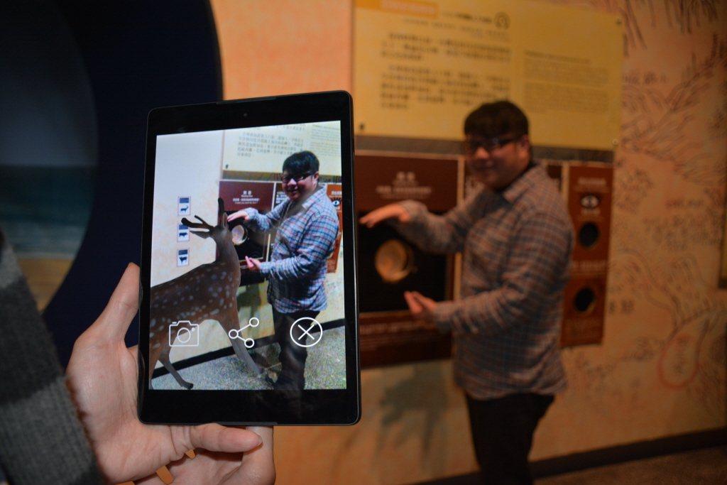 當前3D科技的運用開啟了人們對於感官上延伸的新體驗,也逐漸成為教育和科技中的種種運用的實例。 圖/聯合報系資料照