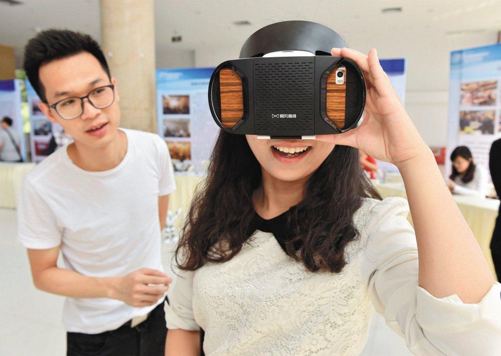 臺灣文化科技政策的方向,應該讓文化科技的發展與應用回歸人文理念、公民社會和草根民...