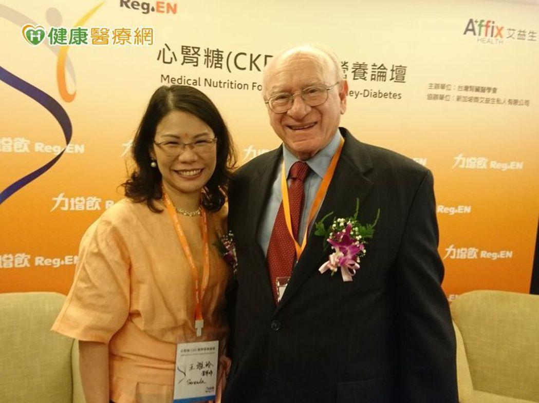 Kopple教授、王雅玲營養師提醒,心腎糖族群要多注意蛋白質、熱量攝取。