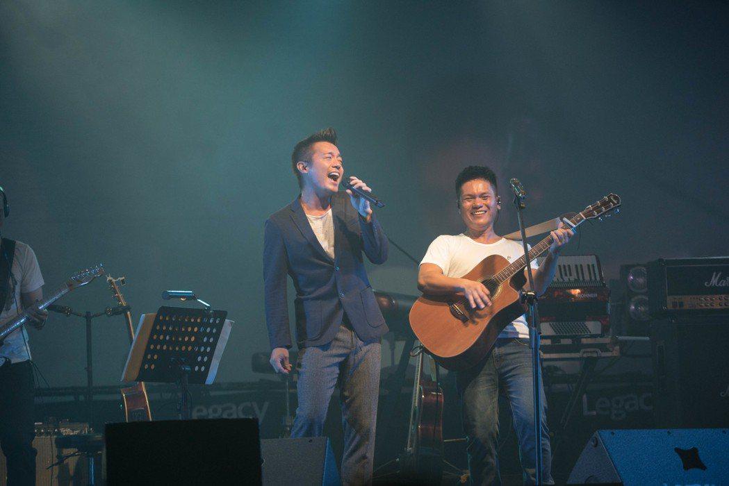 舒米恩開唱,范逸臣站台。圖/舒米恩音樂工作室提供