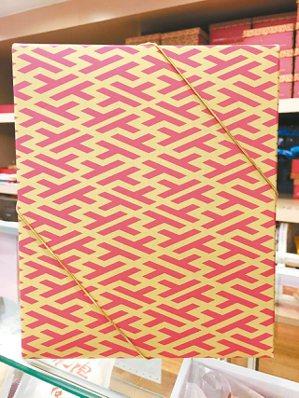 王水河設計的太陽餅盒包裝。毛奇/圖