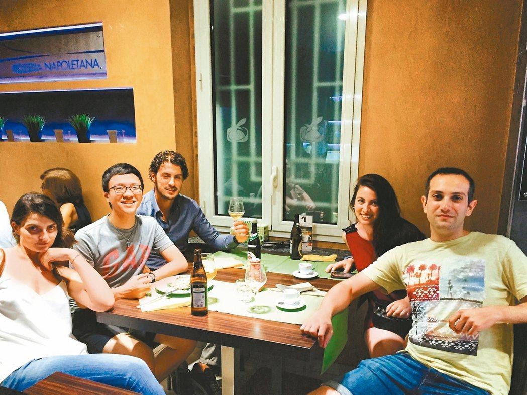 陳怡仲就讀逢甲大學四年級時,勇闖歐洲創新學院,和國際頂尖名校學生一起實習。 圖/...