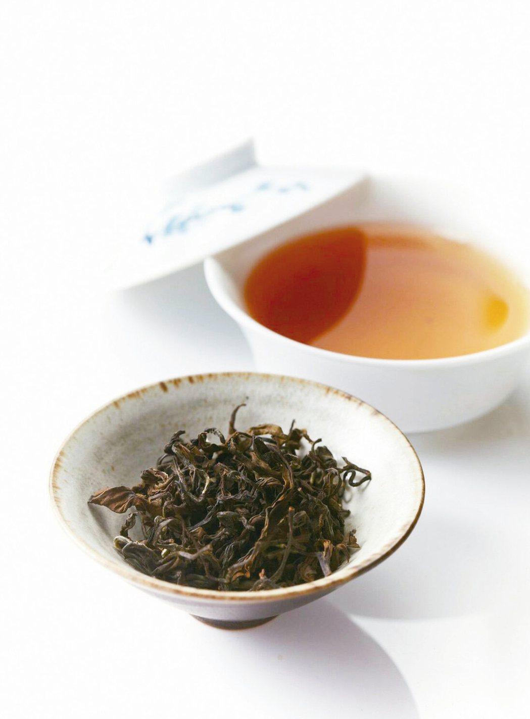 傳統烏龍茶湯色明亮澄澈,入喉即能感受茶香滋味。 圖/臺北市文化局提供