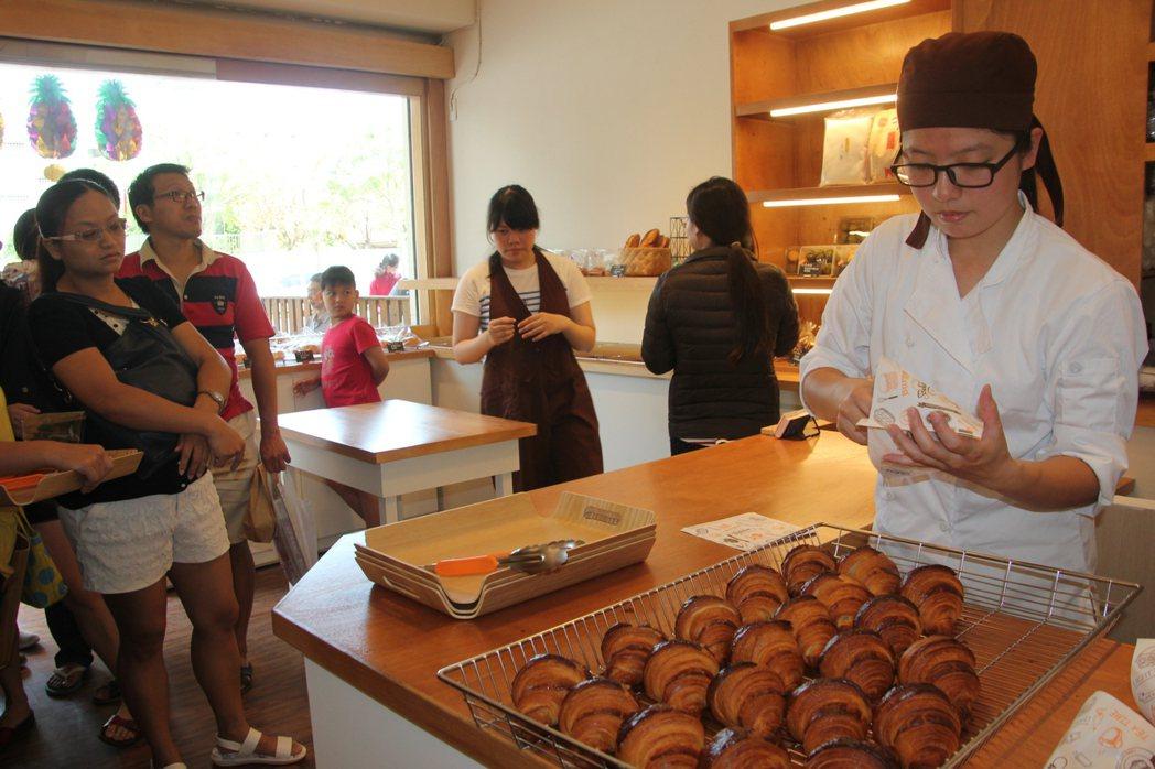 七年級夫妻愛上烘焙 用天然食材挑戰消費者的味蕾