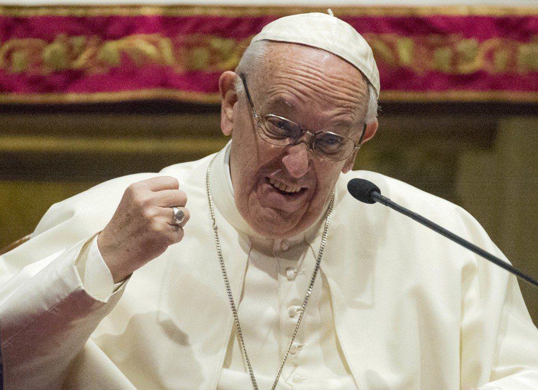 「一定要打擊邪惡!」教宗方濟各面對黑手黨問題,態度相當堅決強硬。 圖/美聯社