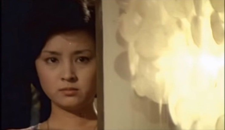 甄珍在「一簾幽夢」扮演失意憂鬱的紫菱。圖/翻攝自YouTube