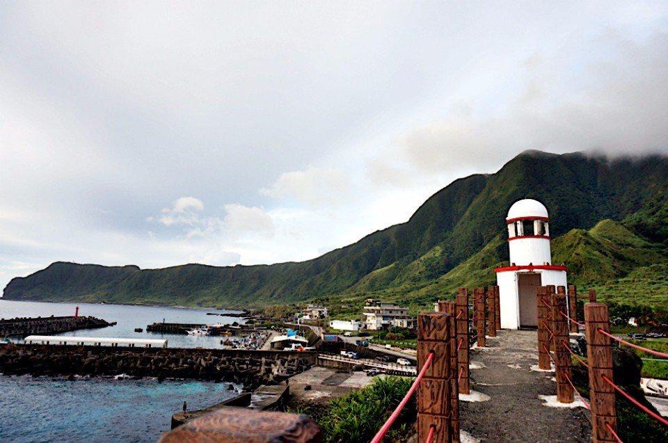 舊蘭嶼燈塔。(林郁姍/攝)