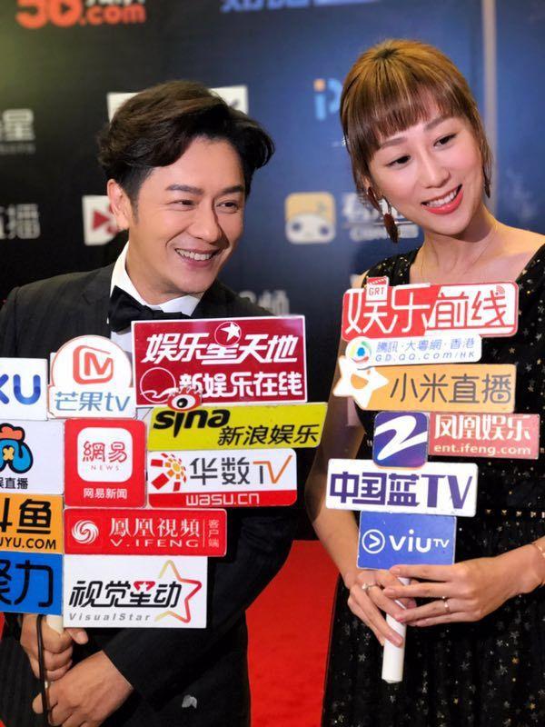 陳浩民與老婆一起出席電影活動並接受媒體訪問 。圖/艾迪昇提供