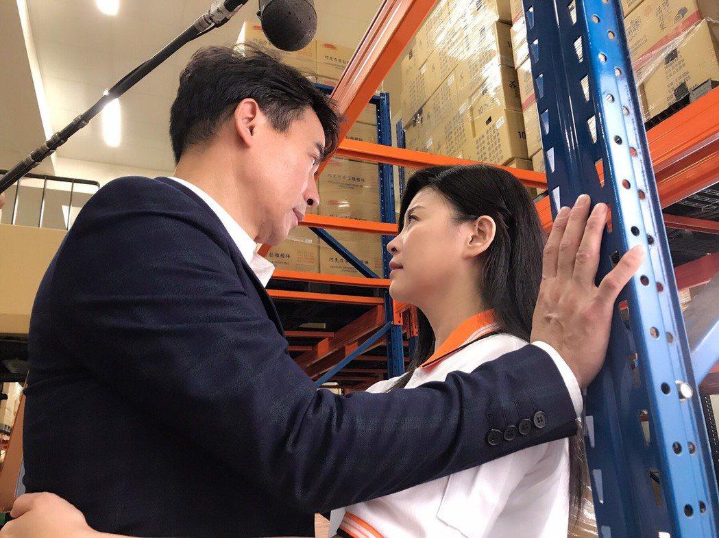 方馨和翁家明暌違3年再合作。圖/民視提供
