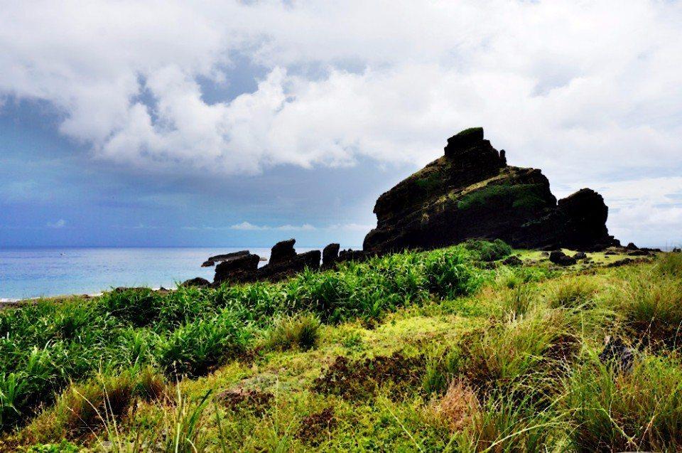 坦克岩原名為攤開岩。(林郁姍/攝)