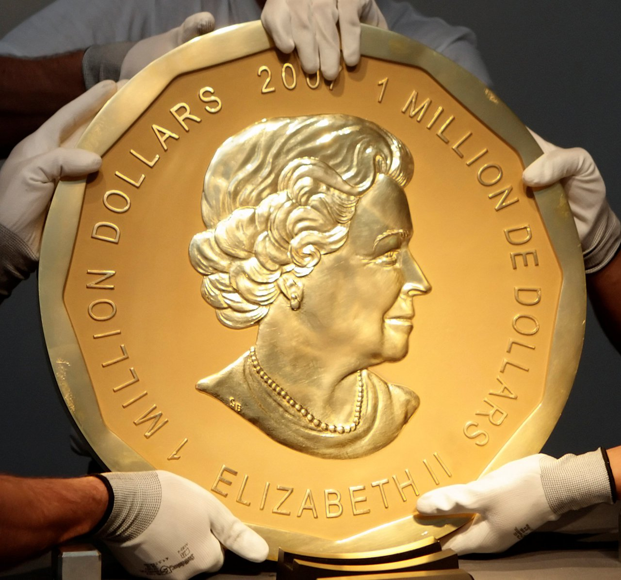 重達100公斤的「大楓葉」金幣3月底時被盜。(路透)