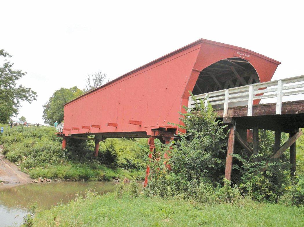 位於愛荷華州麥迪遜郡的羅斯曼廊橋。 ◎吳保霖 ˙攝影