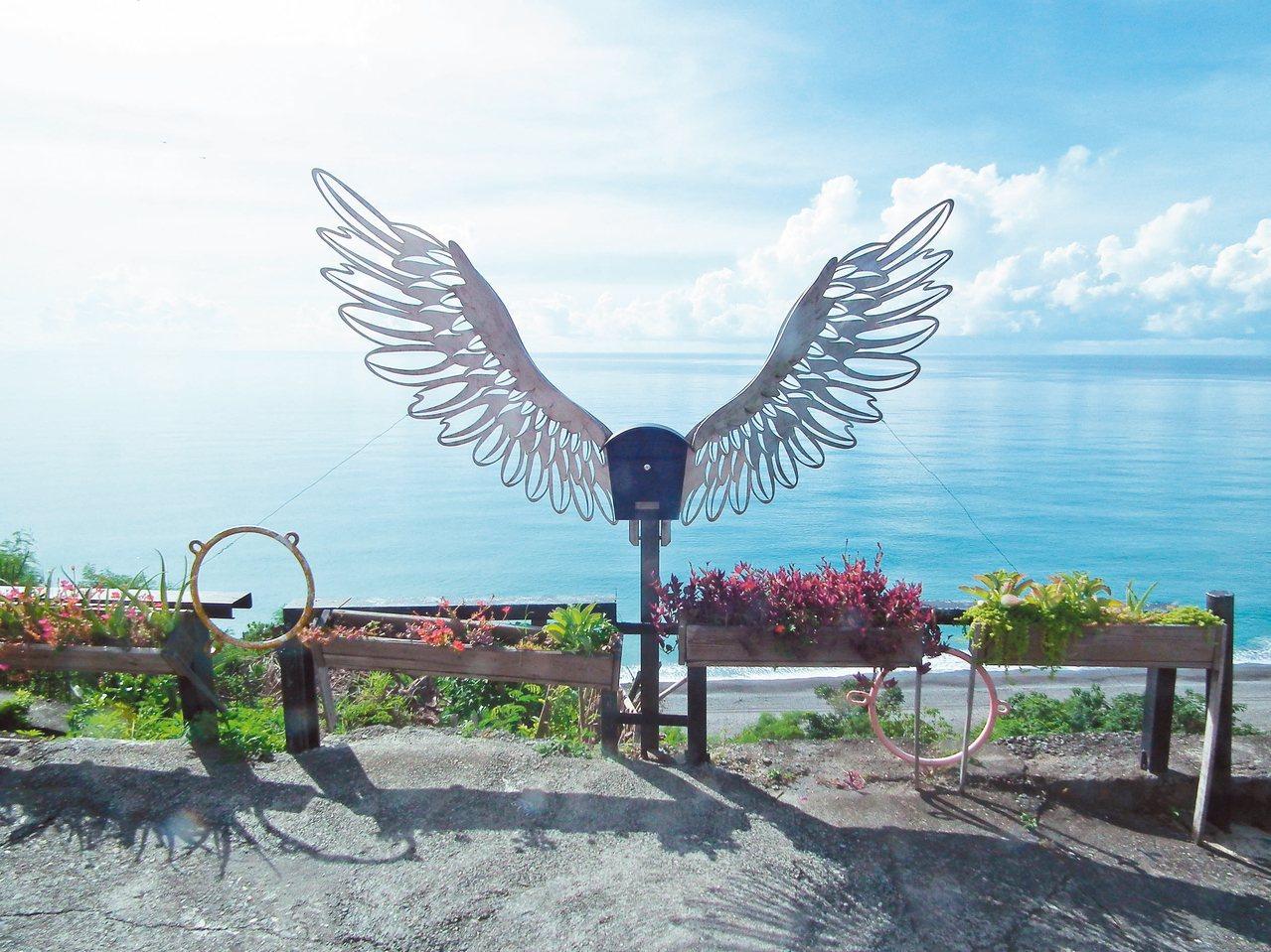 在地祕境半日遊 3.天使郵筒留影 記者尤聰光/攝影
