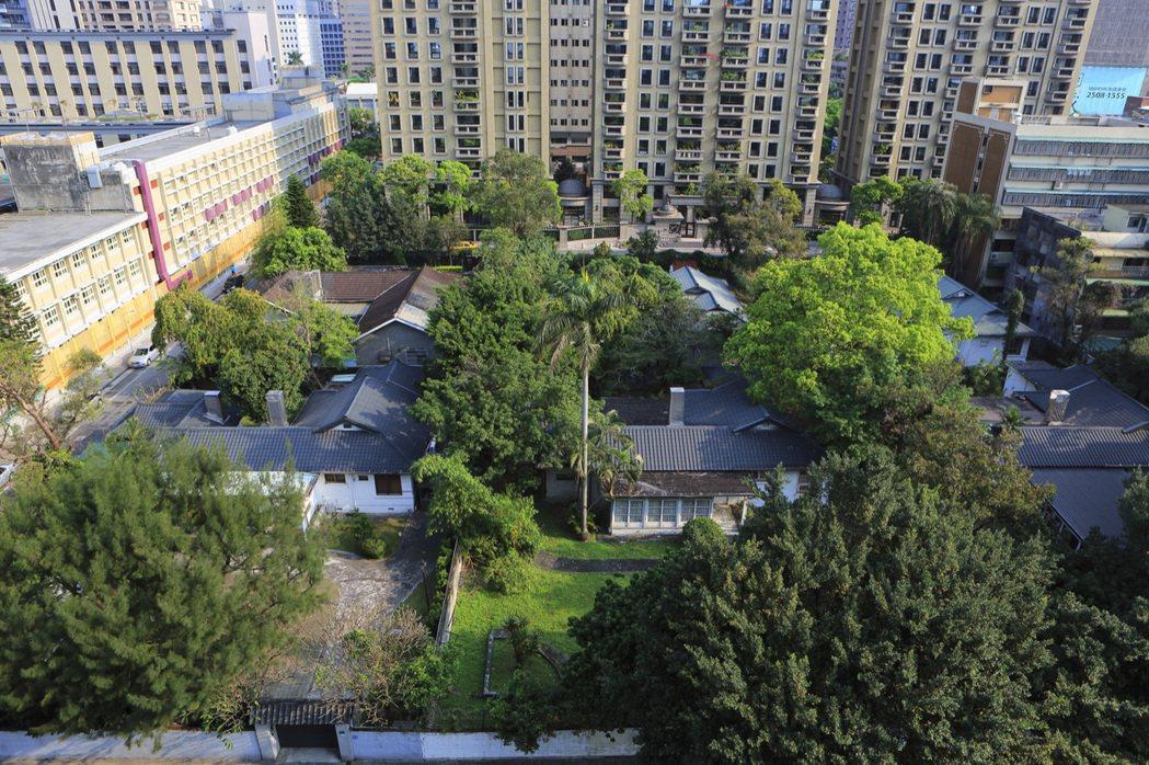 美援時期留下的六棟官舍已被台北市府列為歷史資產保存,是台北都市中難得的濃綠景觀。...