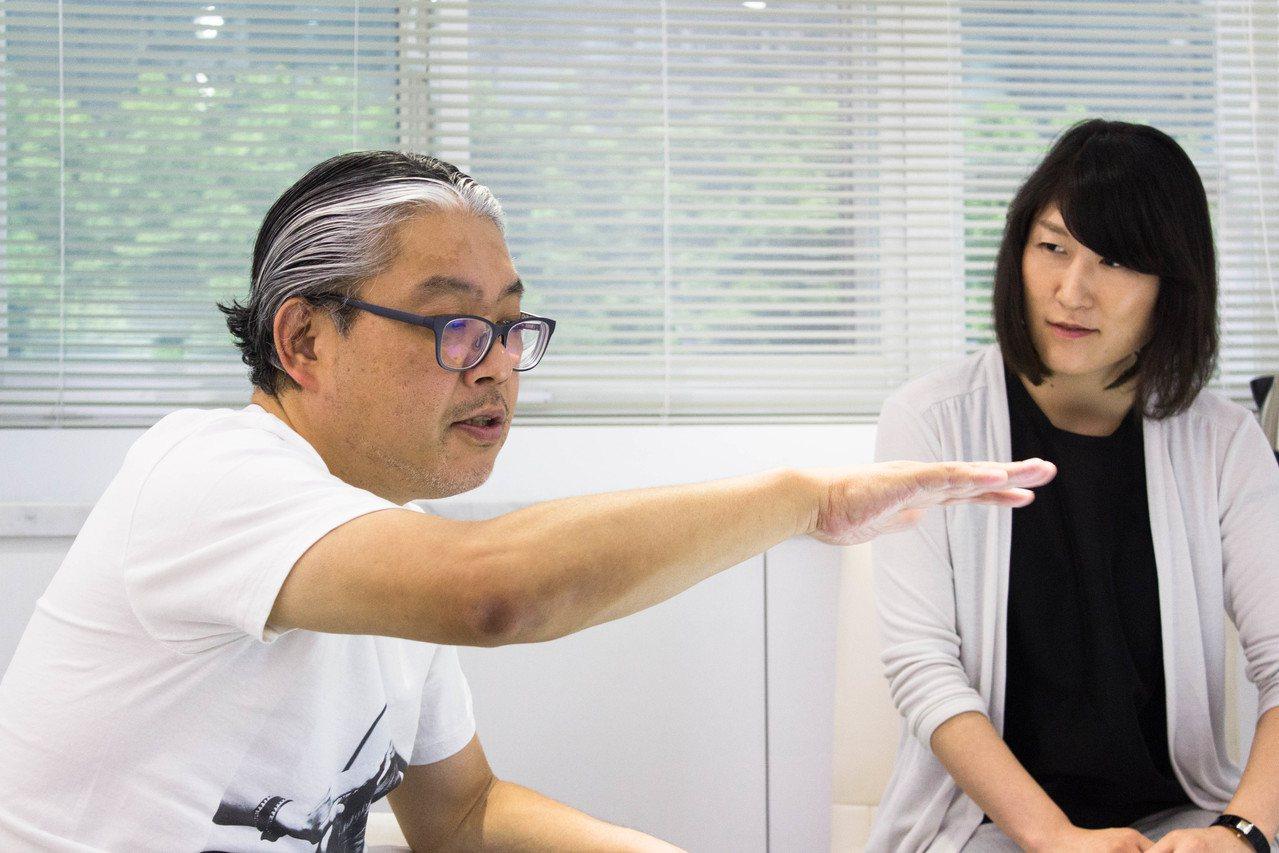日本知名工薪收藏家宮津大輔(左)、日動畫廊總監岩瀨幸子。圖/非池中藝術網攝。