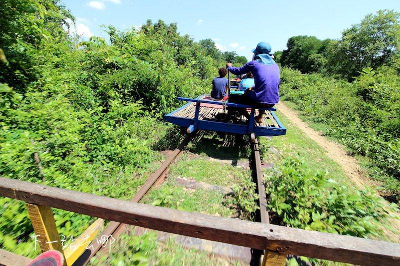 乘坐竹火車。 攝影/賴勳毅