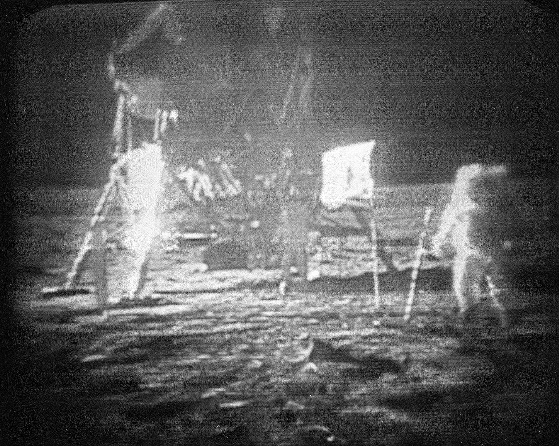 阿姆斯壯當年登陸月球畫面。美聯社