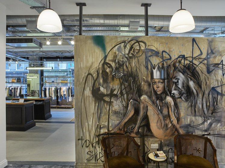 藝術作品為rag & bone倫敦旗艦店帶來豐富的視覺意象。圖/rag & bo...