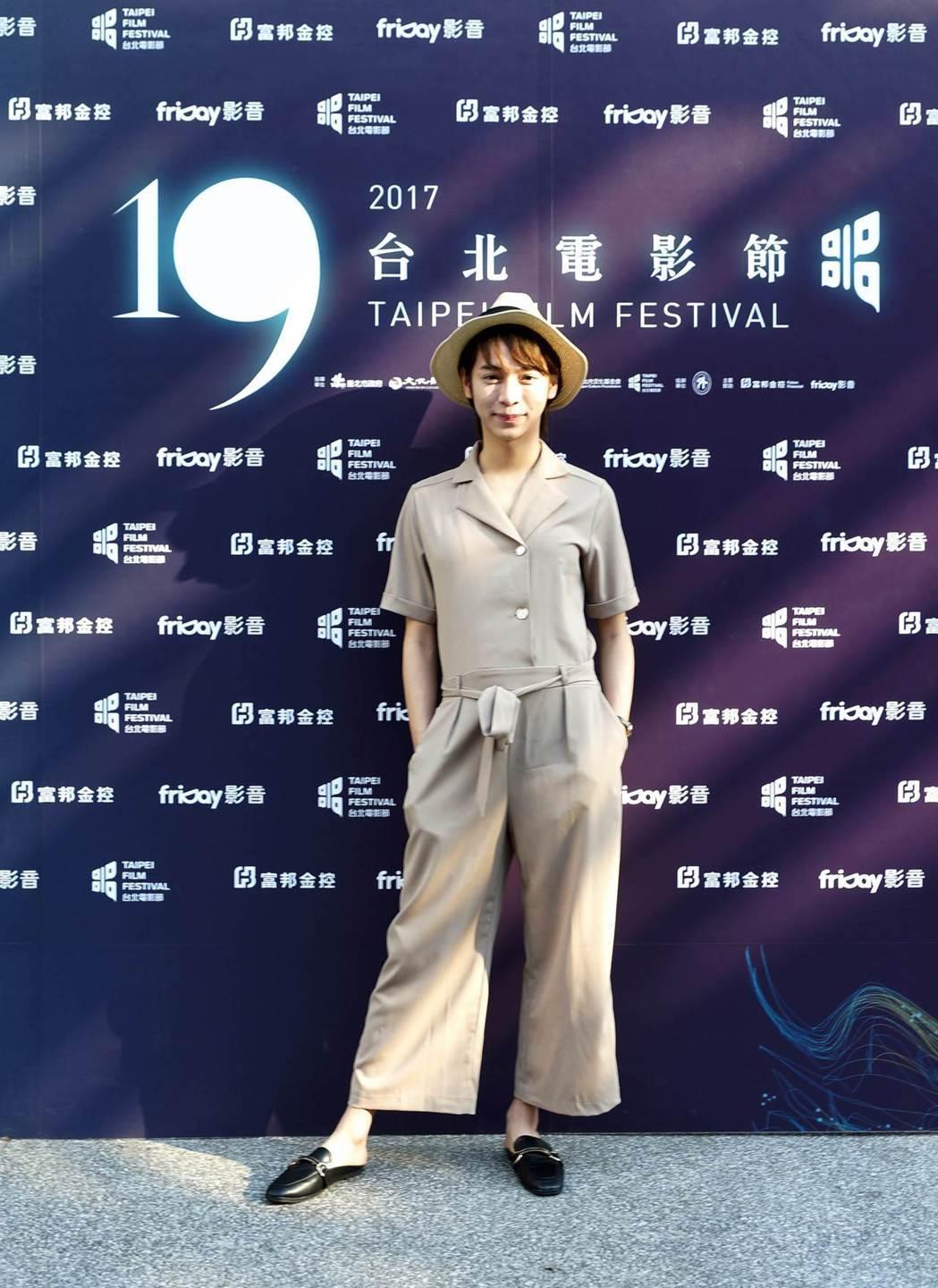 Kiwebaby出席「自畫像」在台北電影節的首映,造型風格兼具兩性特色。圖/海鵬