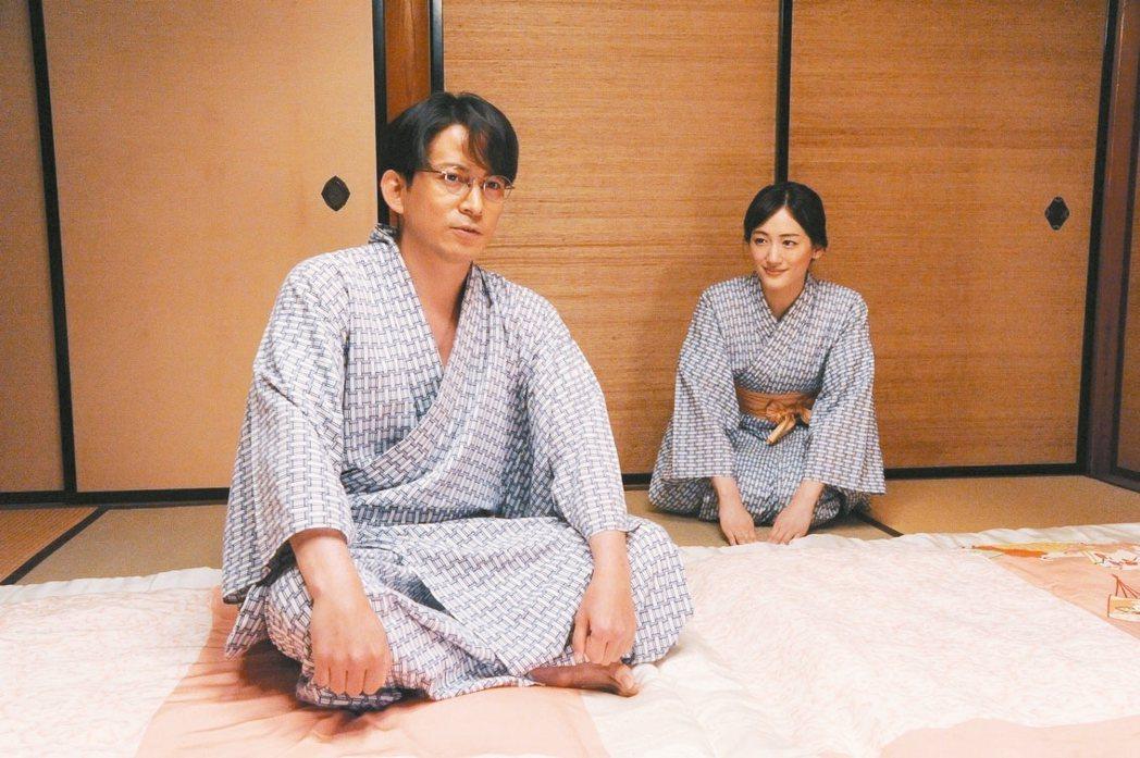 岡田准一(左)演出「名叫海賊的男人」。 圖/采昌國際多媒體提供
