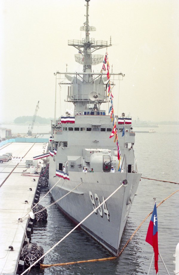 左營軍港今次展出的是諾克斯級巡防艦中的三號艦汾陽艦。 圖/報系資料照