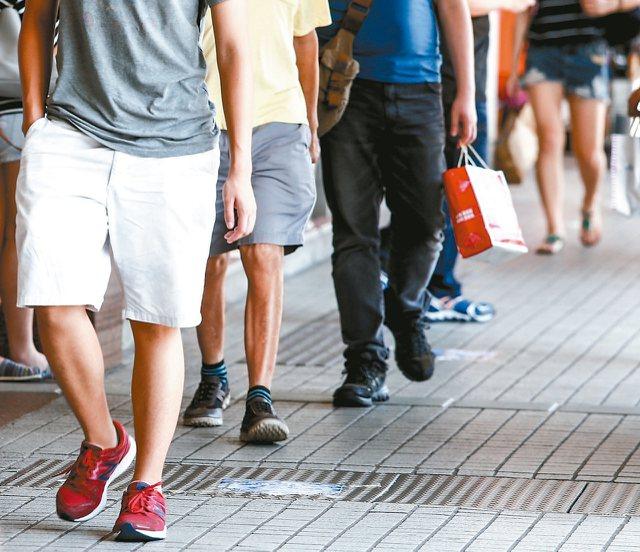 根據美國史丹福大學近日研究顯示,台灣人每天走5000步,在46個國家地區中排名第26。
