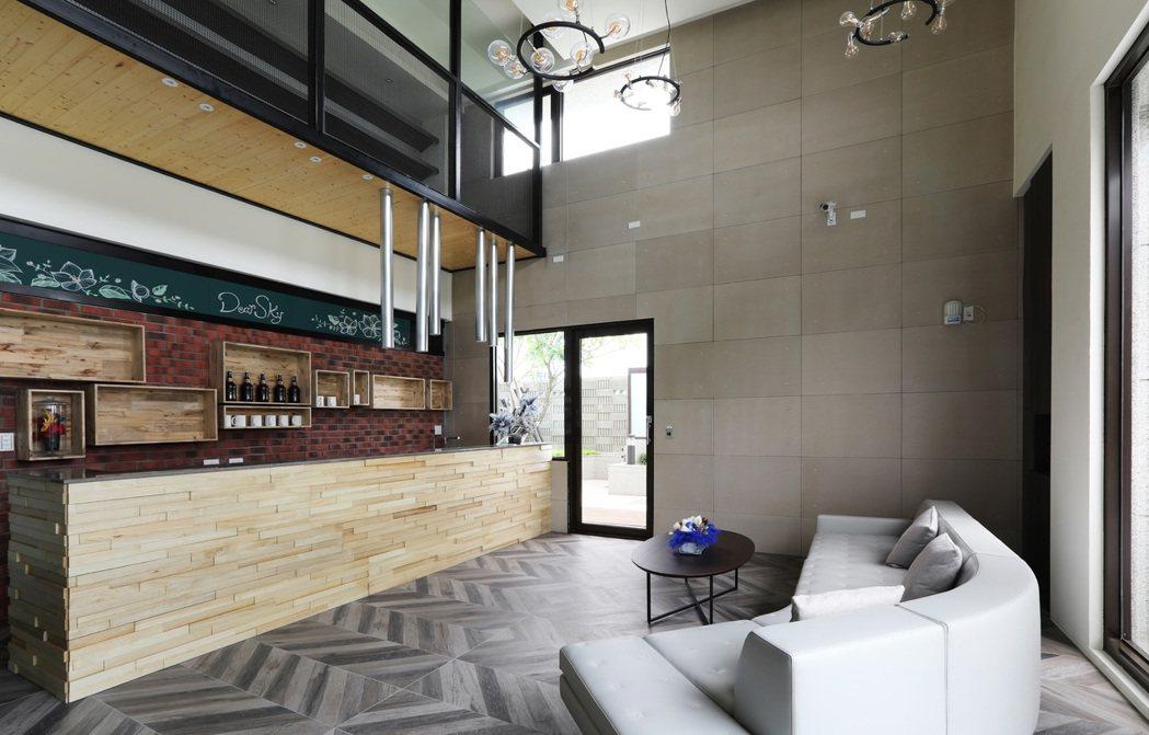 帶有廚房設備的交誼廳,提供住戶與朋友聚餐聊天的空間,亦可舉辦烹飪活動。