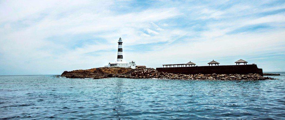 蔚藍天空、湛藍海洋,交織出澎湖迷人的海島風情。(欣傳媒資料照)