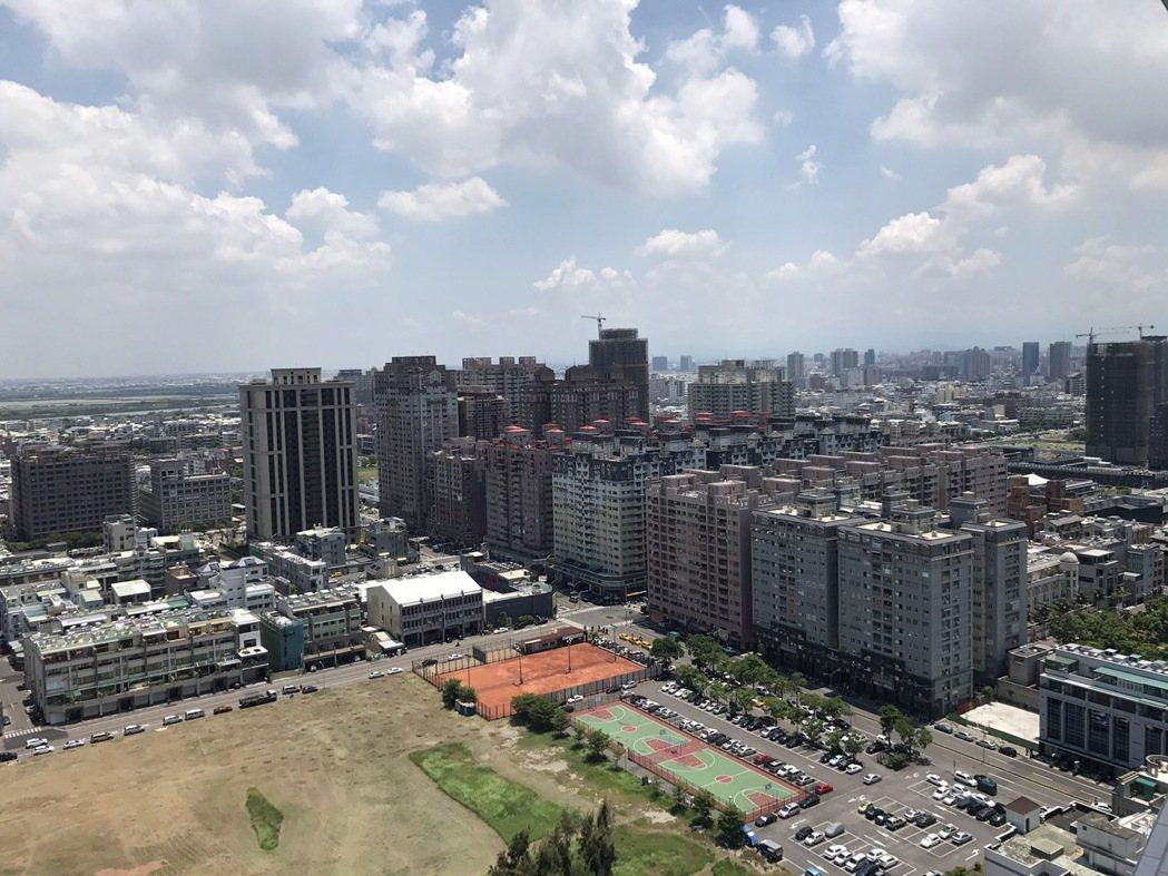 台南安平大樓熱銷,創12年新高。報系資料照