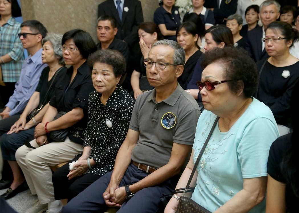 劇作家吳念真出席導演齊柏林告別式。圖/台北市攝影記者聯誼會提供