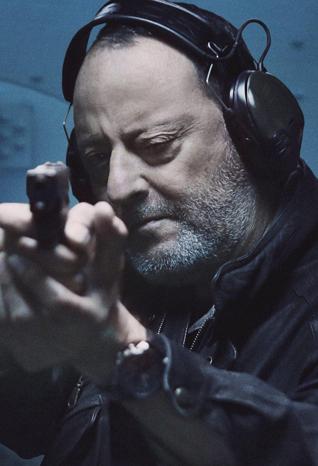 法國動作明星尚雷諾在「俠盜聯盟」中拼命追捕劉德華。圖/Catchplay提供