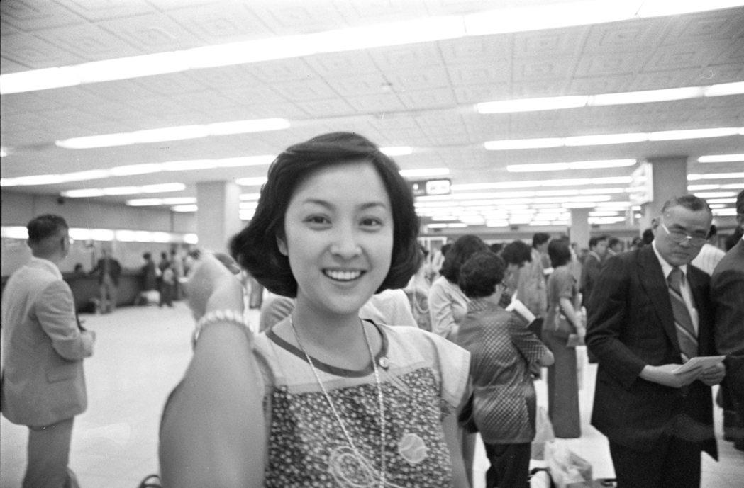 影星甄珍(1976年9月20日)返抵台北為新片進行拍攝工作。圖/報系資料照