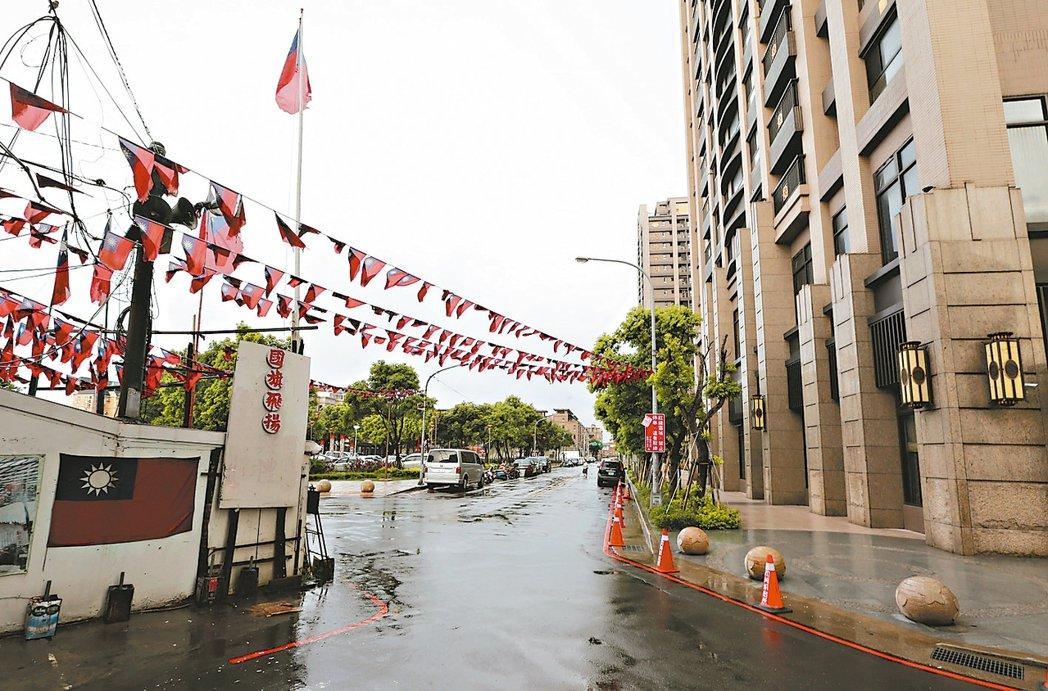 桃園龍岡,忠貞市場附近街景。 記者鄭超文/攝影