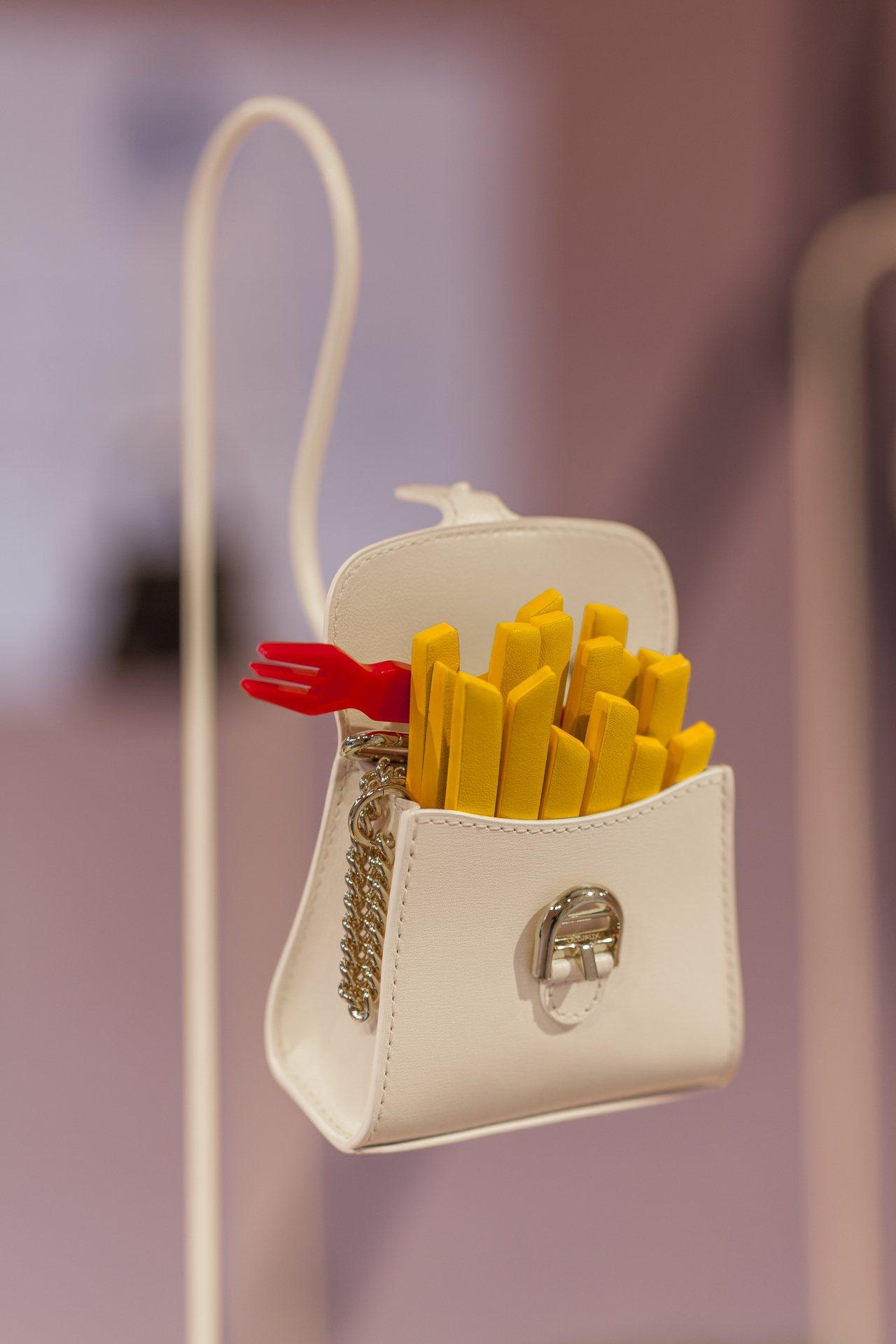 Delvaux迷你手袋Miniatures Belgitude系列。圖/Delvaux提供