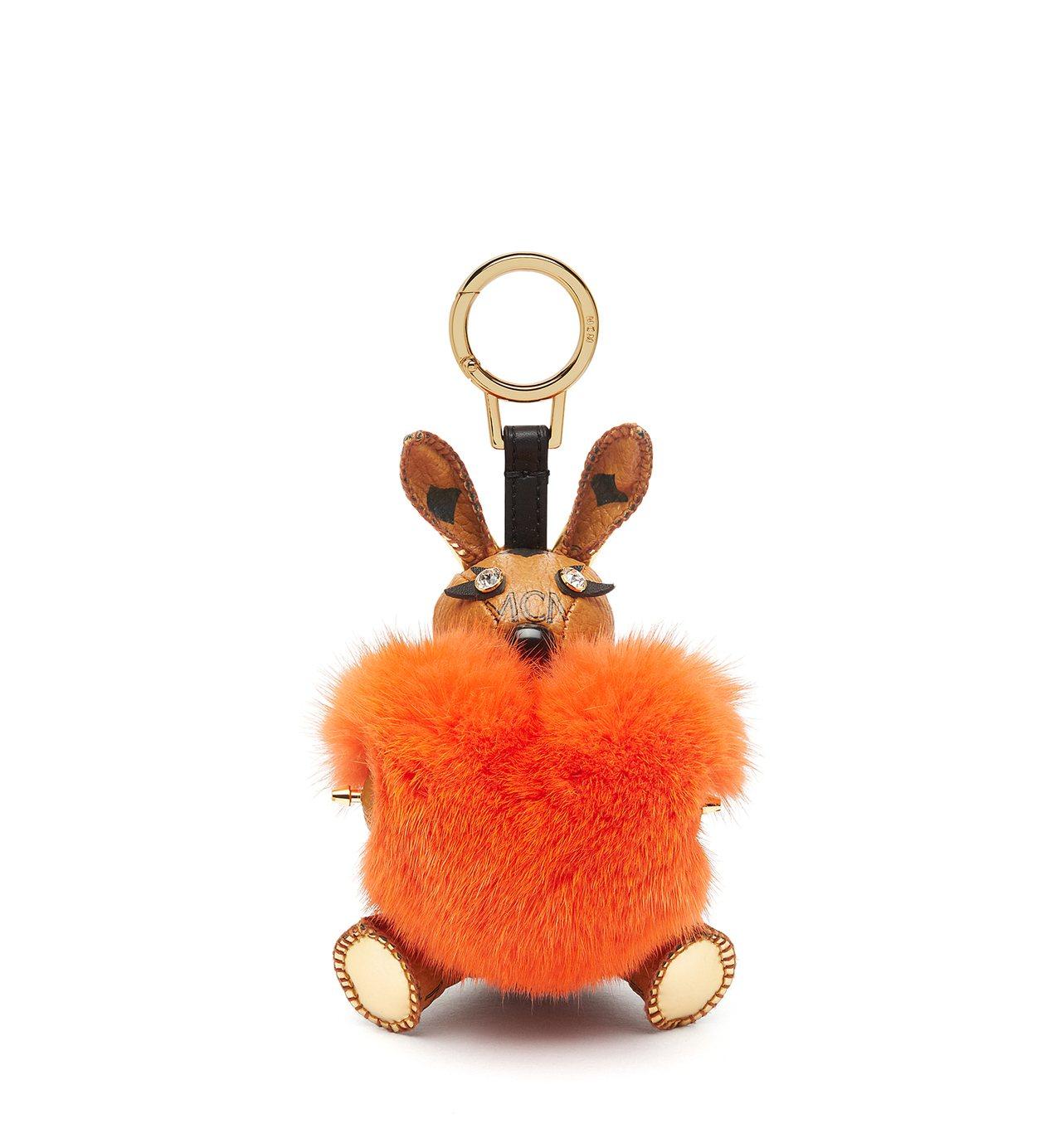 兔子造型絨毛皮革包包吊飾。圖/MCM提供