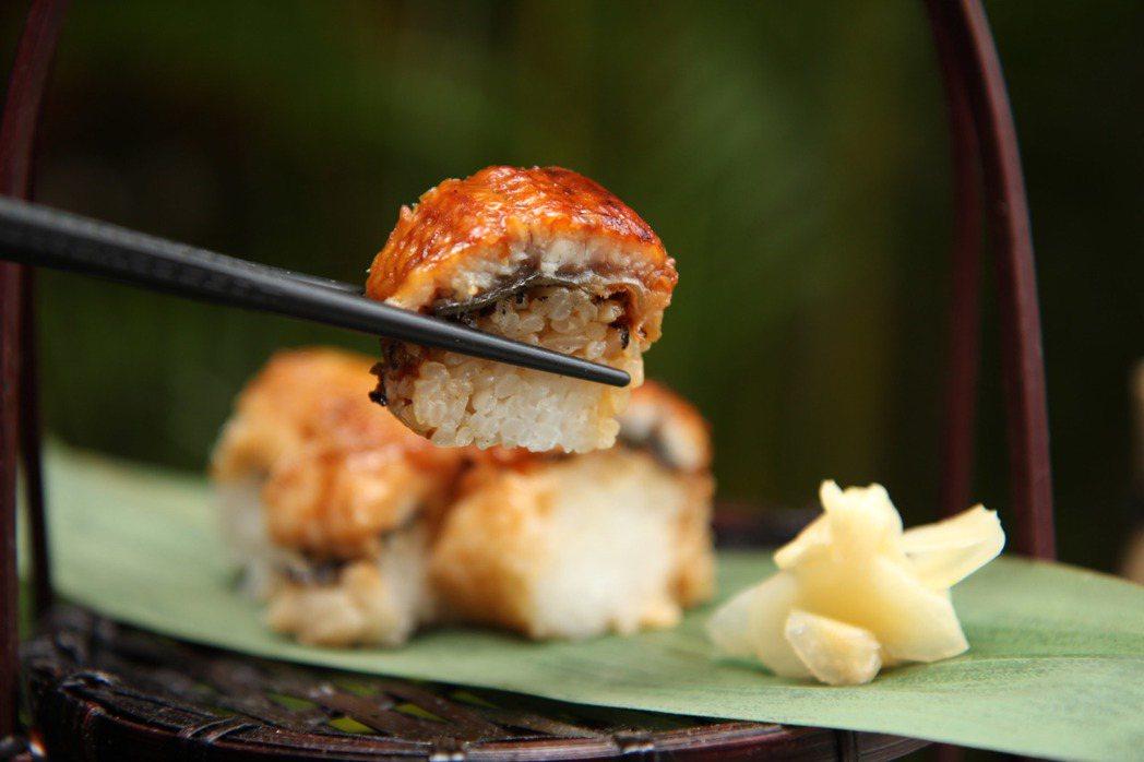 彩日本料理的海鰻棒壽司。圖/台北君悅提供