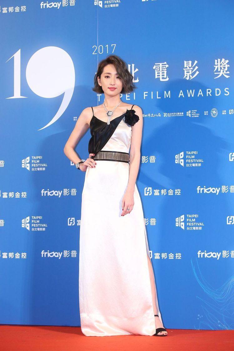 柯佳嬿選穿LANVIN 2017春夏洋裝展現優雅。圖/記者王騰毅攝影
