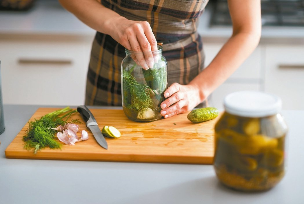自製醃漬物 少放點鹽較健康?