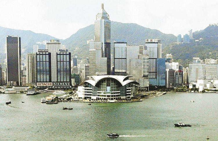 ▼上周港股與陸股槓桿ETF表現強悍,後市續熱。圖為香港著名景點維多利亞港。 (本...