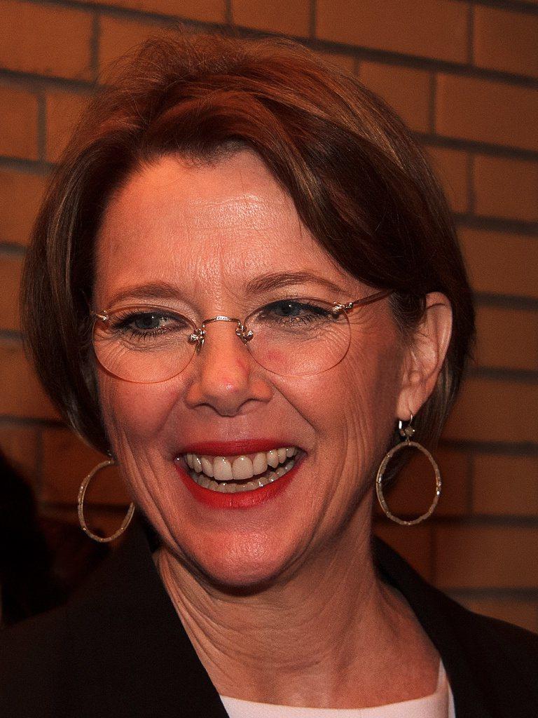曾獲奧斯卡提名的安妮特班寧作品包括1999年的「美國心玫瑰情」(American