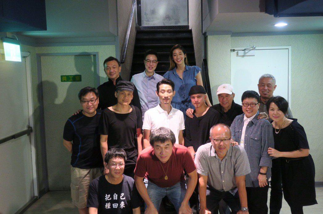 「大佛普拉斯」劇組出席慶功宴。記者蘇詠智/攝影