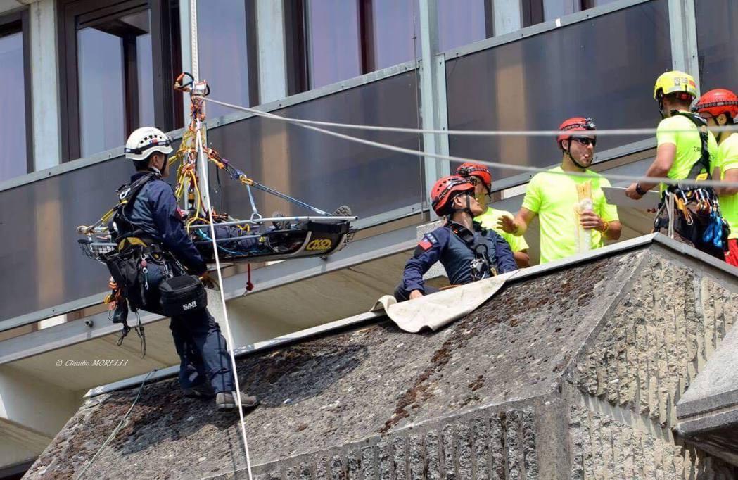 比利時城市那慕爾是GRIMPDAY 國際繩索救援競賽的競賽場地,參賽者挑戰在不同...