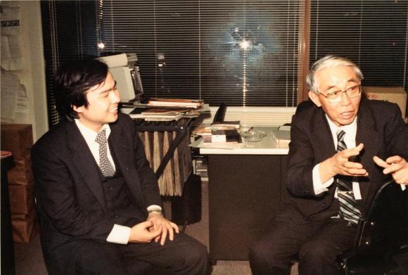 孫正義(左)能有今日成就,「火箭博士」佐佐木正(右)功不可沒。(擷自日經新聞)