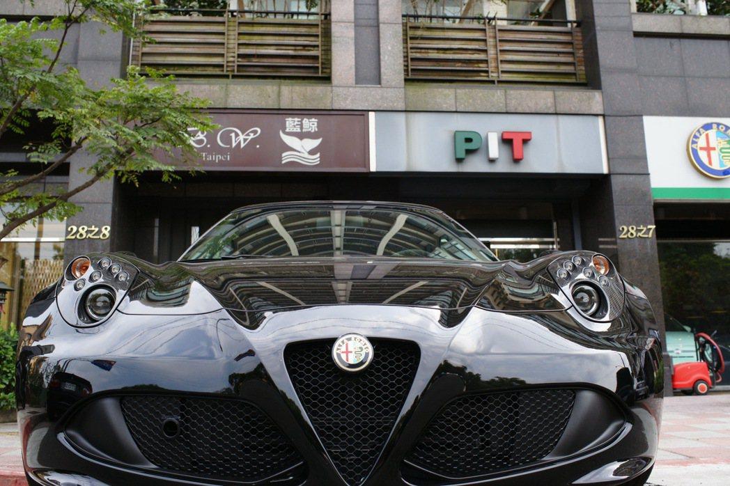 Alfa Romeo 4C 業者提供