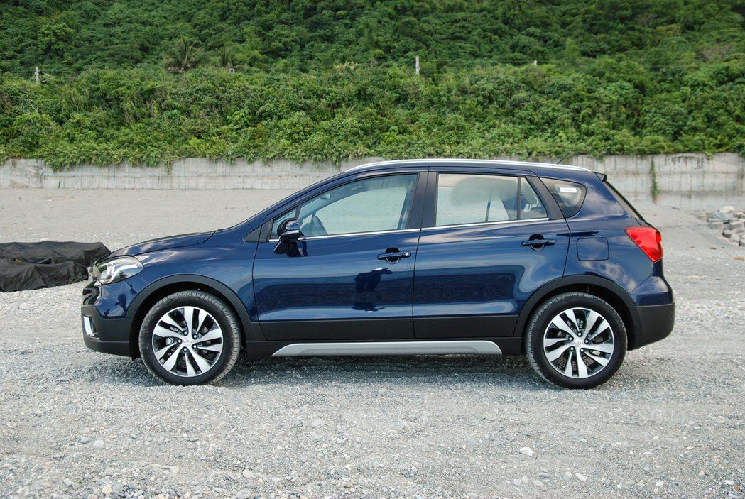 Suzuki New SX4 的車身尺碼為 4300mm x 1785mm x ...