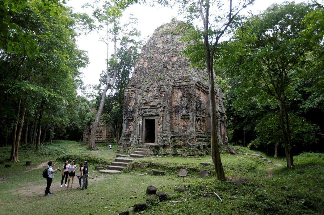 柬埔寨三波坡雷古寺廟區本月初列名聯合國教科文組織的世界文化遺產,上周末已有許多遊...