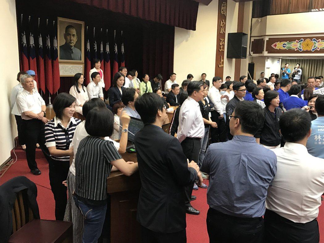 民進黨立委邱議瑩今再戰數位女藍委。 記者程平╱攝影