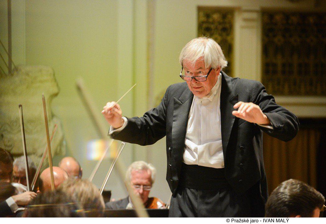 名指揮家阿爾特里赫特,將領軍捷克愛樂管弦樂團來台精湛演出。圖/傳大藝術提供