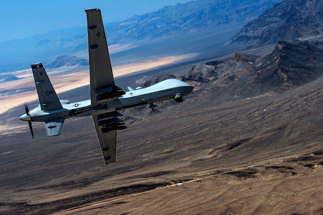美國「死神」無人機在內華達州沙漠地區試飛。路透