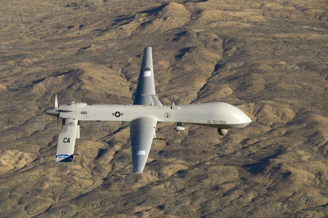 美國「掠奪者」無人機在加州上空飛行。路透